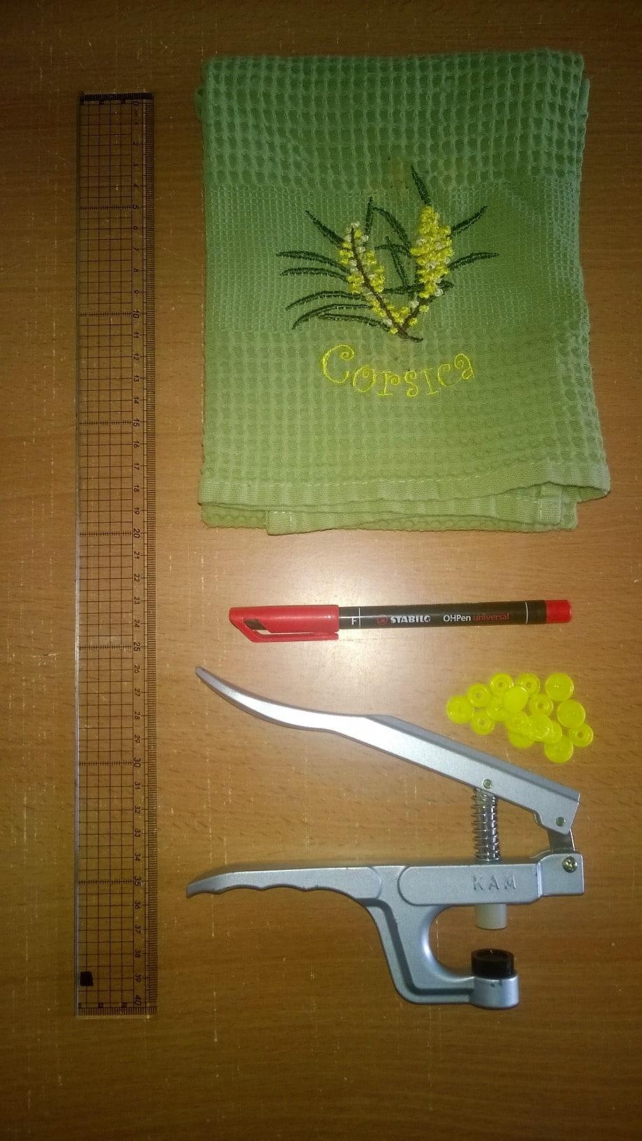 DIY-astuce-pour-accrocher-les-torchons-materiel